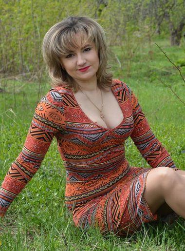 Русские женщины бальзаковского возраста на даче фото
